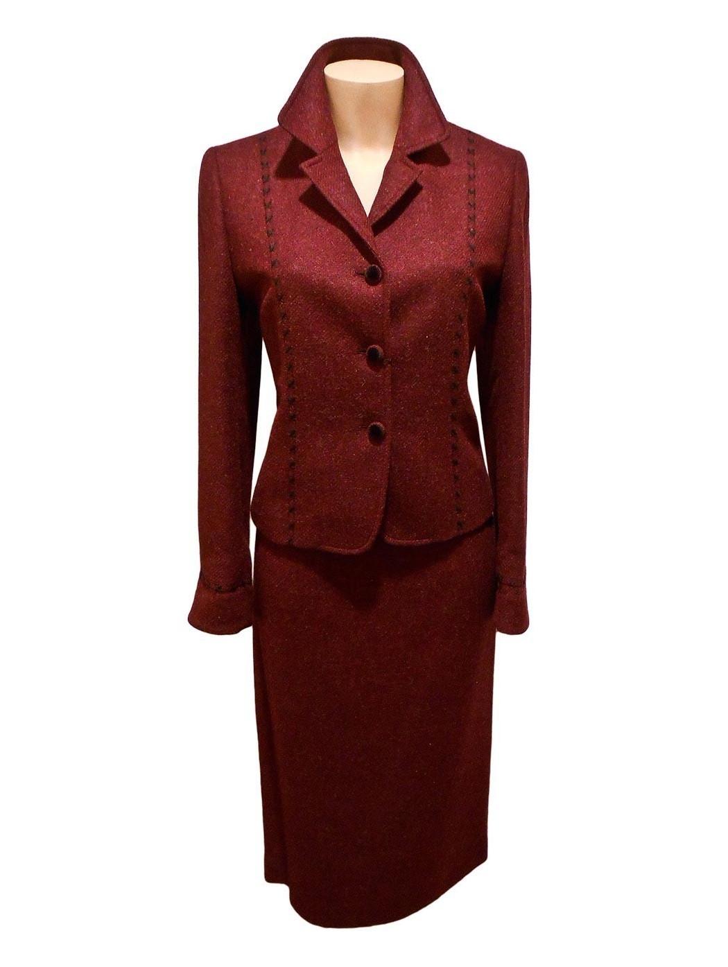 Бордо шерстяной костюм