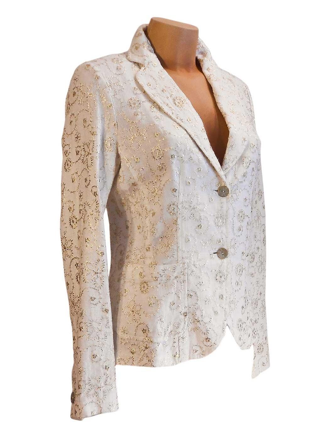 Золотая вышивка куртки Gui *