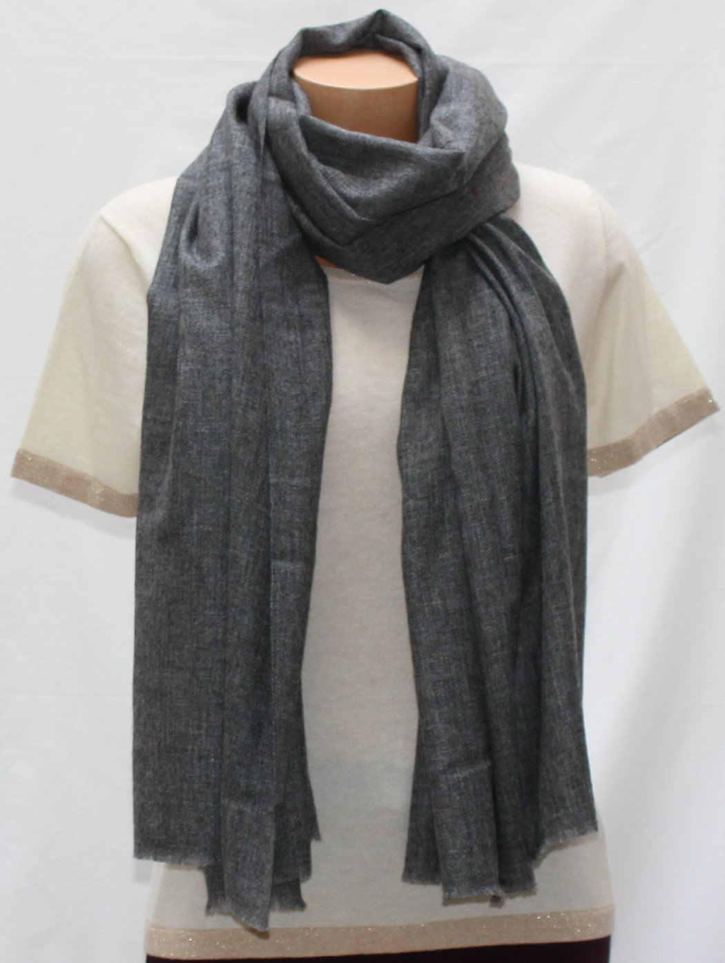 Cashmere and wool dark grey...