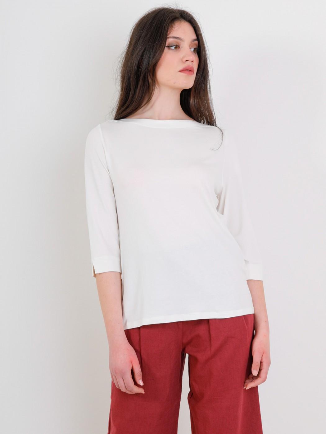 Amethist plain white simple...