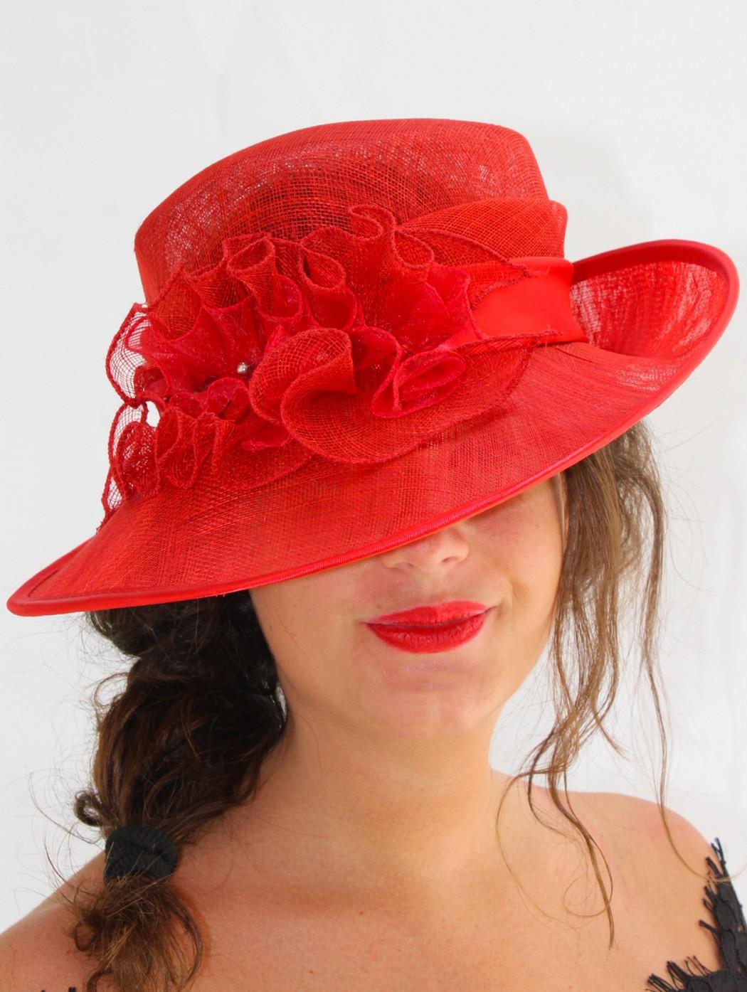 Cappello rosso da cerimonia...